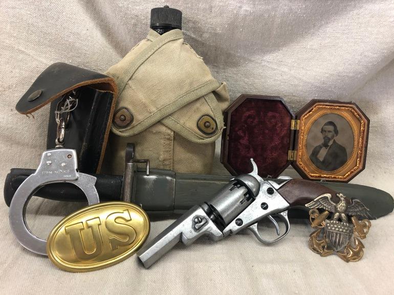 Military collector, war memorabilia, military memorabilia